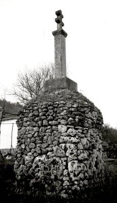 monumentsavonnikon1.jpg